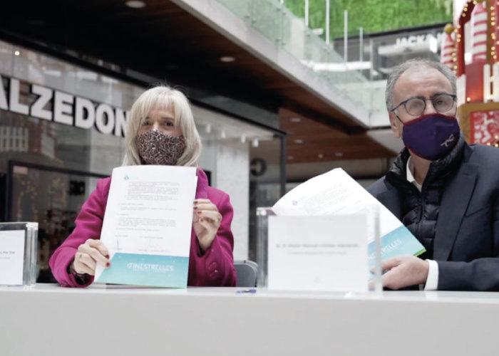 Foto firma del convenio de Finestrelles
